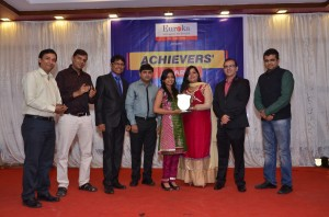 ISHIKA JAIN TOPPER WITH DIRECTORS OF EUREKA